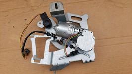 03-08 W219 Mercedes Cls500 Cls550 Power Trunk Opener Motor Actuator E55 E63 E500 image 2
