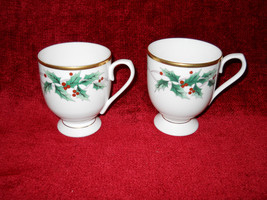 Mikasa Holly Ribbon set of 2 mugs - $15.79