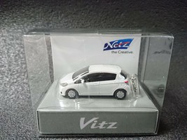 TOYOTA Vitz Yaris White Pearl Crystal Shine LED Light Keychain Japan - $22.98