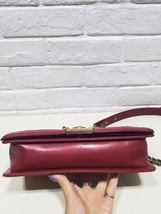 AUTHENTIC CHANEL RED SMOOTH CALFSKIN LEATHER MEDIUM BOY FLAP BAG ANTIQUE GHW image 5