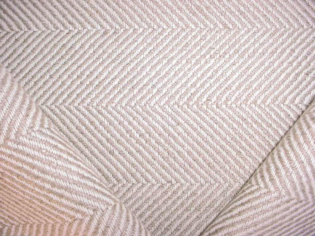 6-3/8Y HANDSOME KRAVET SMART 30628 GREY WHITE HERRINGBONE UPHOLSTERY FABRIC