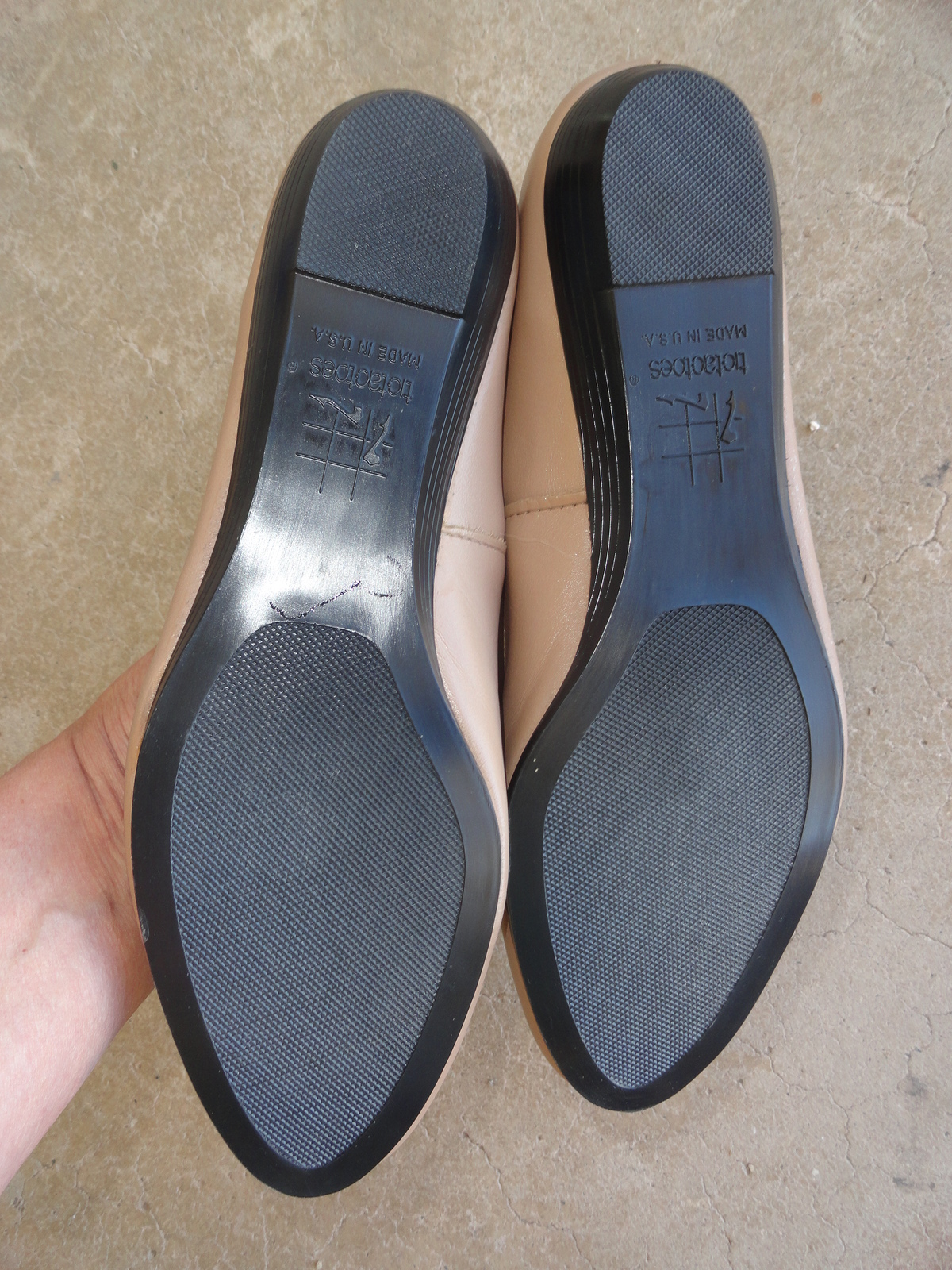 TicTacToes Leather 8.5 Ballet Flat Shoes