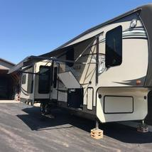 2014 Jayco Pinnacle 36' 5th wheel camper For Sale in Mitchell, South Dakota  image 1