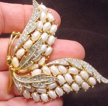 Rare vintage crown trifari egg faux pearl enchantment butterfly brooch5 thumb200