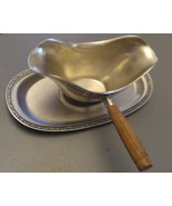 Vintage ONEIDA GRAVY BOAT 18-8 STAINLESS STEEL W/ HARD WOOD HANDLE + TRAY - $15.83