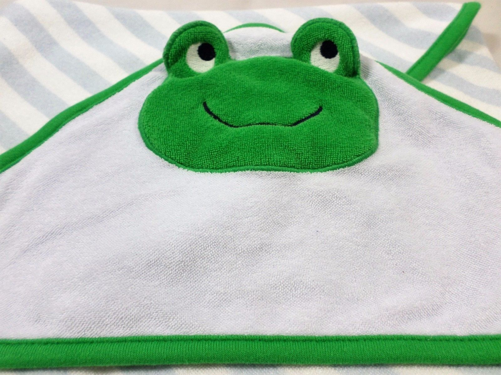 Carter\'s one size green frog hooded baby bath towel w/ blue grey ...