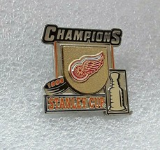 NHL Detroit Red Wings Hockey 1998 Stanley Cup Champions Collector Lapel ... - $6.92