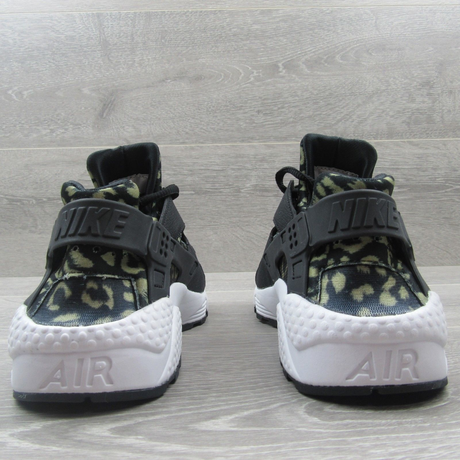 b14f8508d0291 Nike Air Huarache Shoes Size 6.5 Womens Leopard Print Black Beige New  725076 007