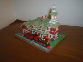 Danbury Mint The Old Railroad Station 1993 Collection New In Box - 1993 - $14.84