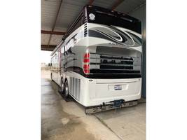2015 Tiffin Motorhomes ZEPHYR 45DZ Class A For Sale In Baton Rouge, LA 70805 image 15