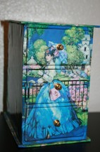VINTAGE LADY WITH PARASOL IN BLUE JEWELRY BOX 3 TIER - €12,75 EUR