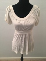 BCBG Max Azria Women's Top Size Small Ivory Short Sleeve Babydoll  - $19.79
