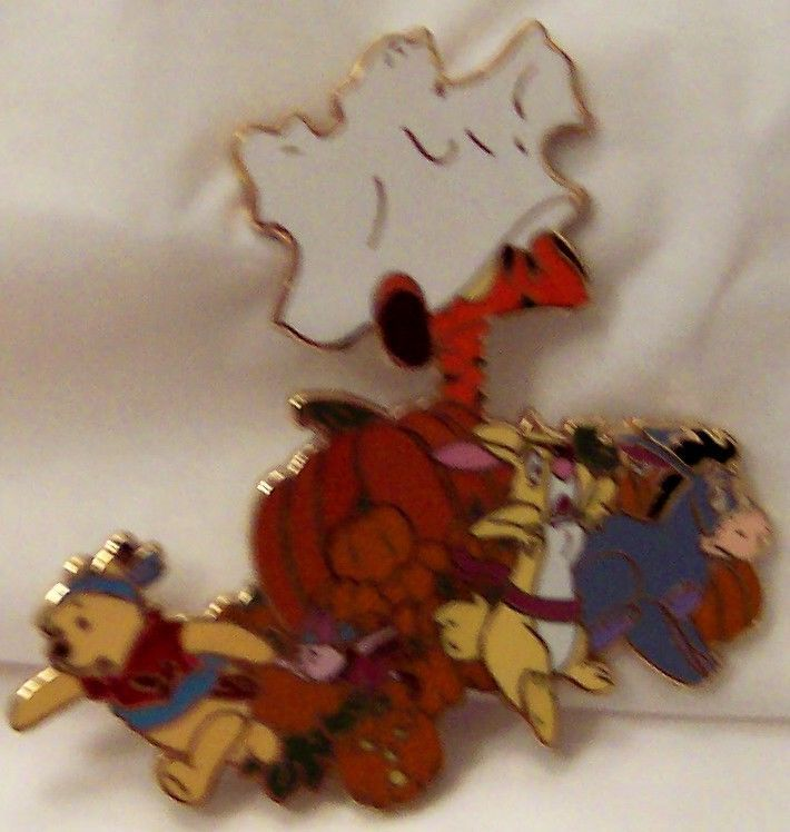 DISNEY POOH & PALS HAUNTED HALLOWEEN JUMBO LE 500 PIN New On Card image 2