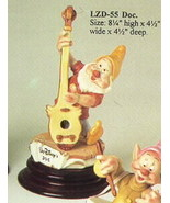 Disney Snow White Doc Musician  Laurenz Capodimonte C.O.A. Original Box - $381.58