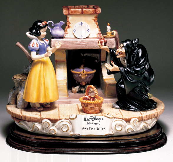 Primary image for Disney Snow White Witch with apple Capodimonte Laurenz C.O.A. Original Box