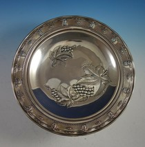Rose Point by Wallace Sterling Silver Tray with Grapes Round #4455-9 (#2920) - $908.10