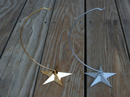 Lot of 2 DEPT 56 Metal Ornament Hanger Star Weighted Base Gold & Silver - $24.99