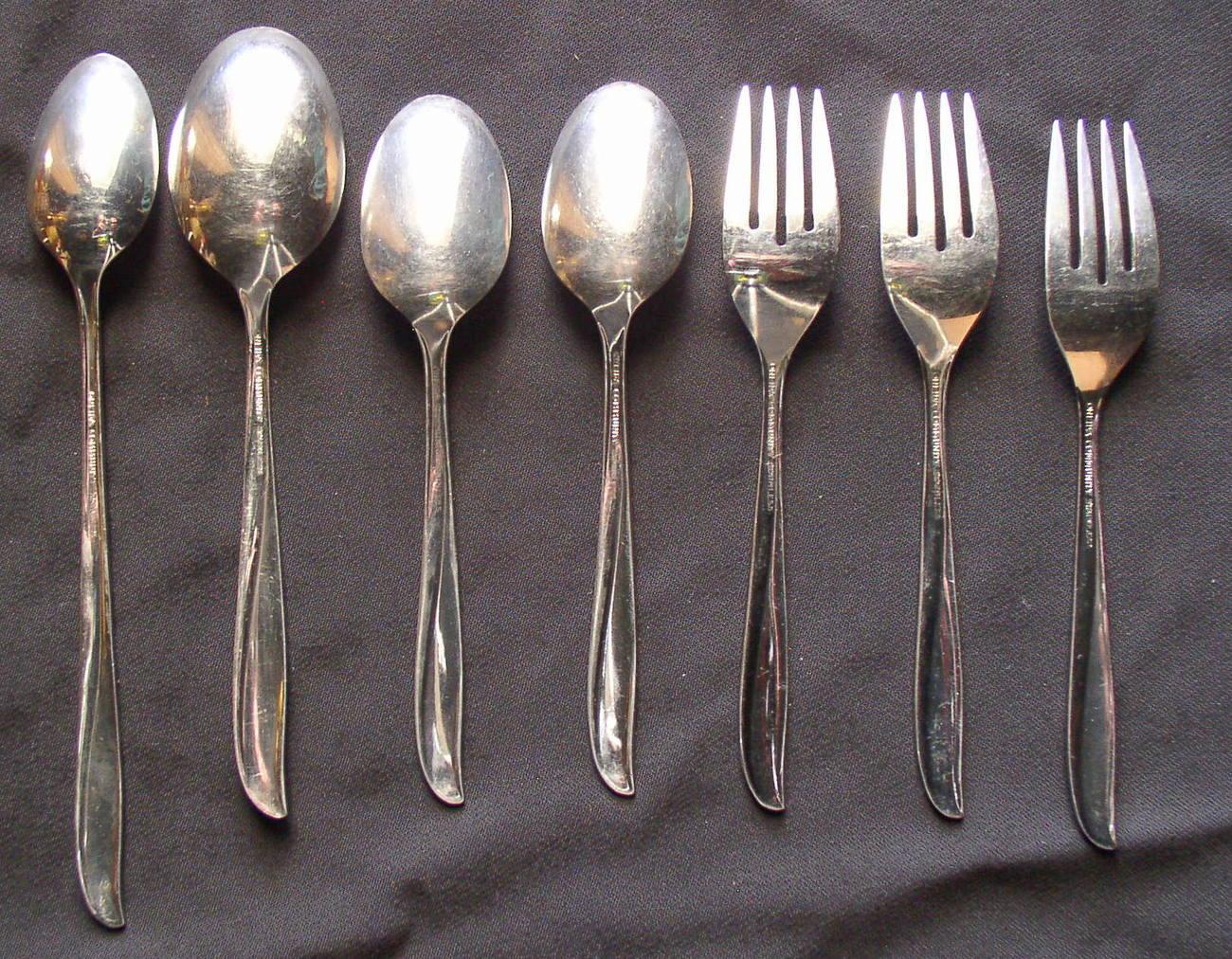 Oneida community stainless twin star flatware spoons forks for Oneida flatware