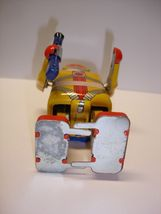 "Used & not working 4.5"" tall Astronaut wind up tin toy robot image 4"