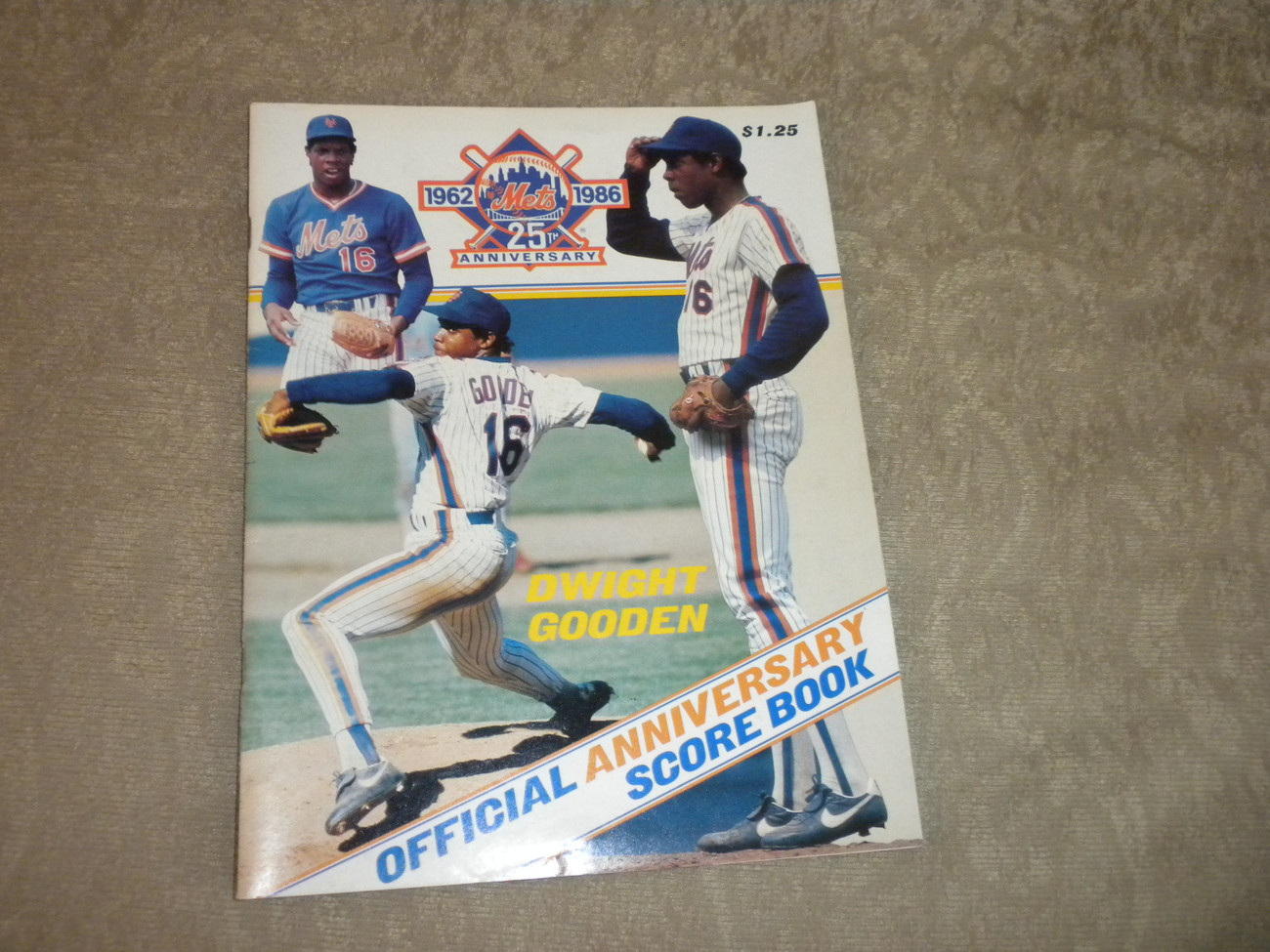 Primary image for 1986 New York Mets 25th Anniversary Scorebook w tkt stub; unscored w team photo