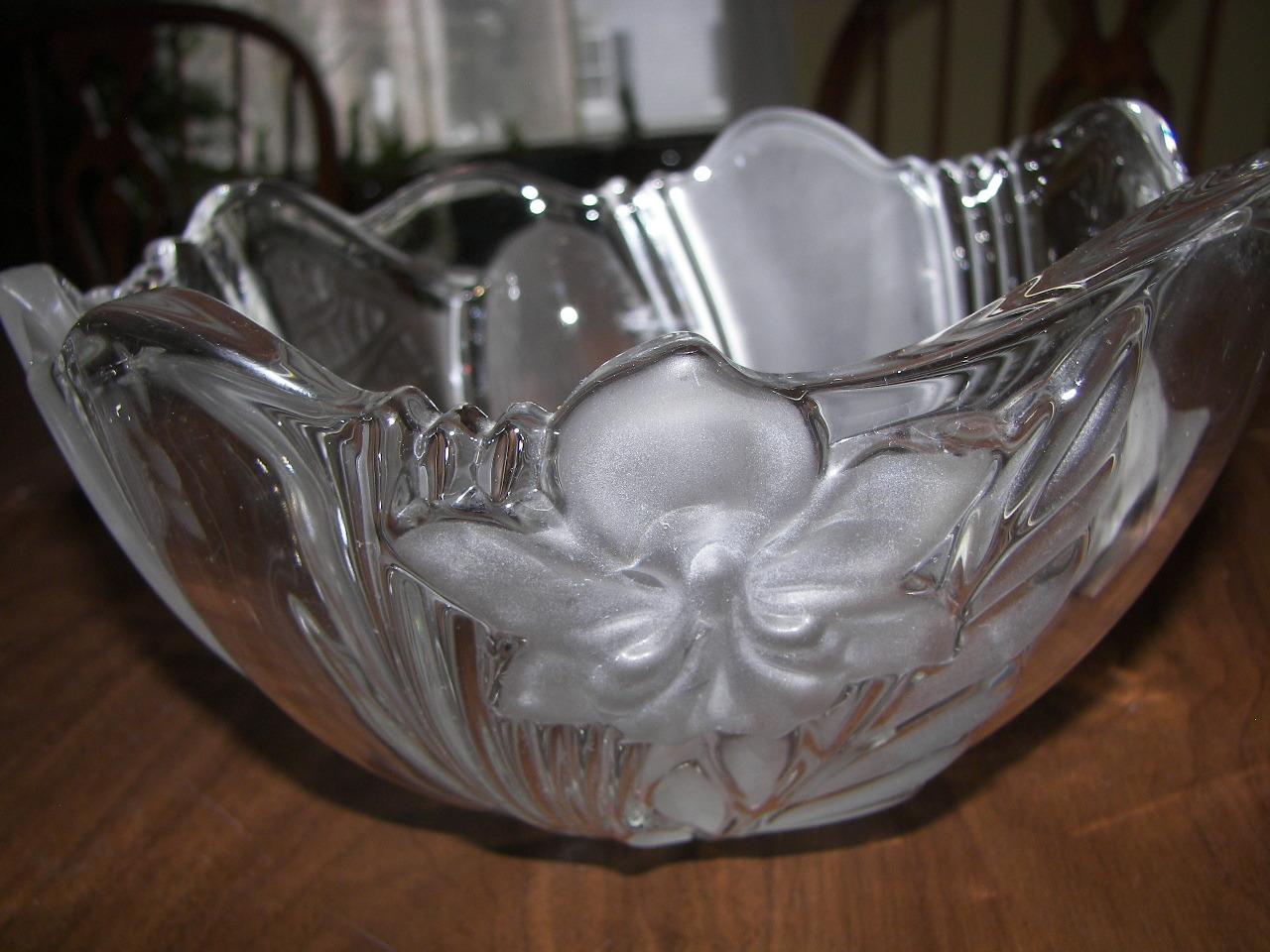 Mikasa Satin Orchid Serving Bowl/vase