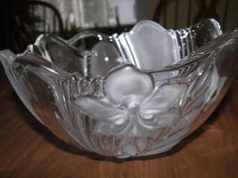 Mikasa Satin Orchid Serving Bowl/vase image 1