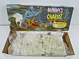 Polar Lights Mummy's Chariot Glow In The Dark Plastic Model Kit Playing Mantis - $19.00