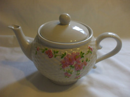 White PorcelainTeapot With Pink Flower Motifs Holds 3.5 Cups Liquid - $21.49