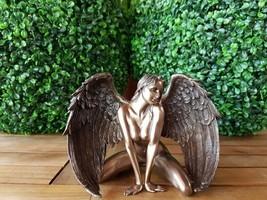 KNEELING ANGEL - ACT VERONESE  (WU76011A1) - $65.34