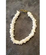VINTAGE 80'S HAWAII WHITE PUKA CHIP BRACELET - $10.99