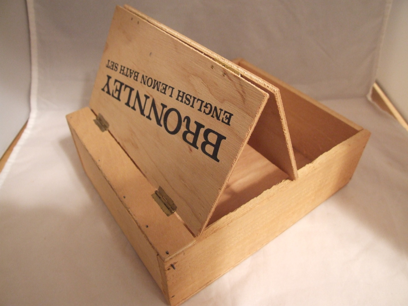 Vintage Bronnley Wooden Soap Box Double Hinged Lid