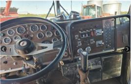 1985 Peterbilt 359 EXHD Semi Tractor For Sale in Unionville MO.63565 image 4