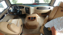 2018 Holiday Rambler Vacationeer M-35P FOR SALE IN Cape Canaveral, Fl 32920  image 6