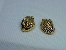 Vintage Pierre Cardin Heavy Gold Tone Clip On Earrings Leaf Like Design Modern - $9.89