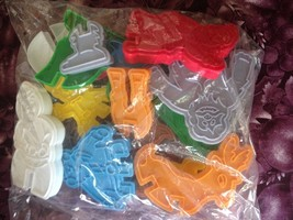 Rudolph The Red Nosed Reindeer Stand Up Cookie Cutters Yukon Bumble Set/... - $19.99