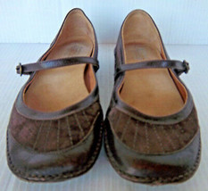 CLARKS- Women's Artisan #73628 Brown Leather Mary Jane Shoes -- Size 5.5M - $22.99