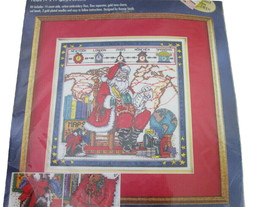 Bucilla Counted Cross Stitch #83697 Santa Claus is Coming to Town 1998 - $19.79