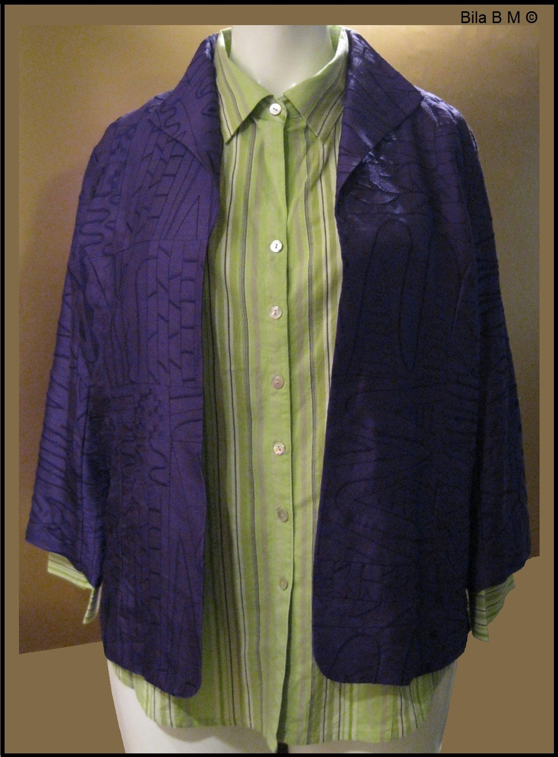 CHICO'S ALL SILK JACKET - Size 2 - Purple Embroidered Ladies Jacket
