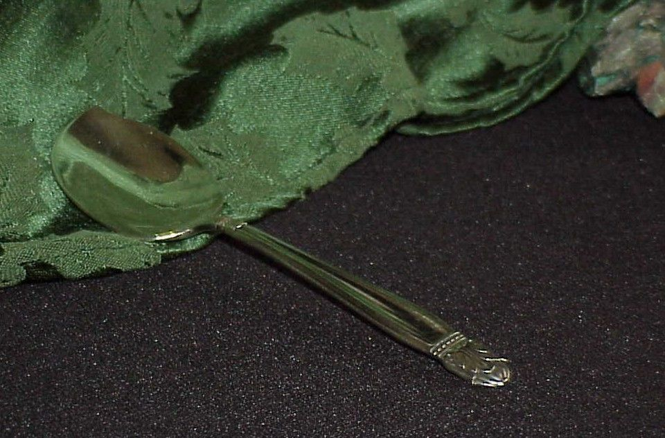 Danish Princess Jelly Spoon Server Holmes & Edwards Silverplate Antique Clean