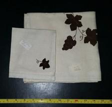 Vintage Appliqued Brown Leaf on Beige Linen Tablecloth 32x34 4 Napkins 1... - $14.99