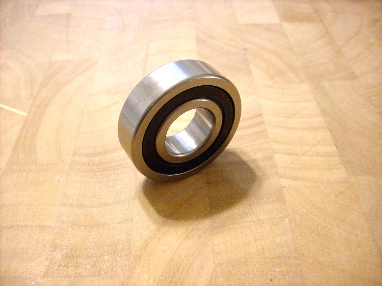 John Deere ST424, ST524, ST624, ST724, ST732, ST824, ST832; 824, 932 bearing