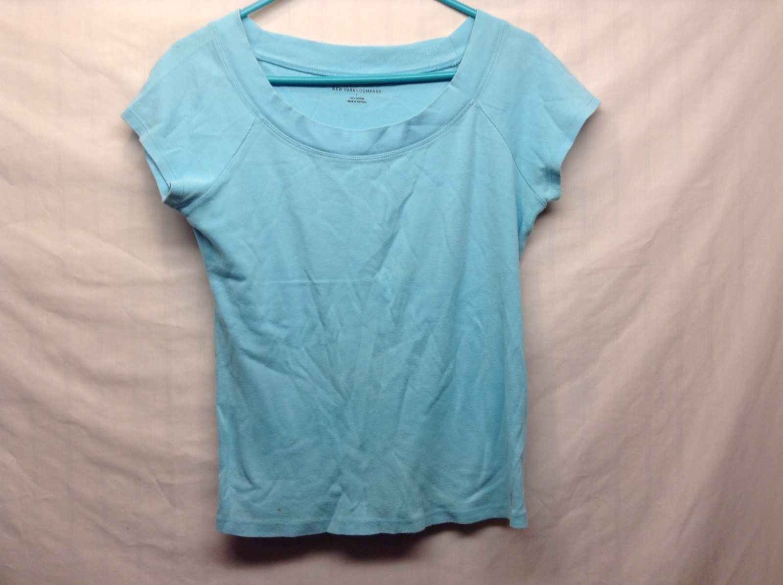 New York & Co Ladies Baby Blue Pullover Short Slv Shirt Sz L