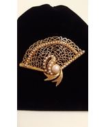 Signature Florenza Gold Tone and Pearls Fan Brooch Pin - £38.66 GBP
