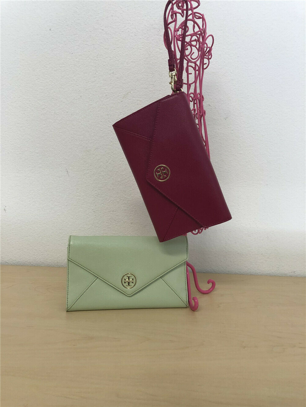 Primary image for Tory Burch Robinson Envelope Clutch WOMEN'S CLASSIC VINTAGE HANDBAG 48159257