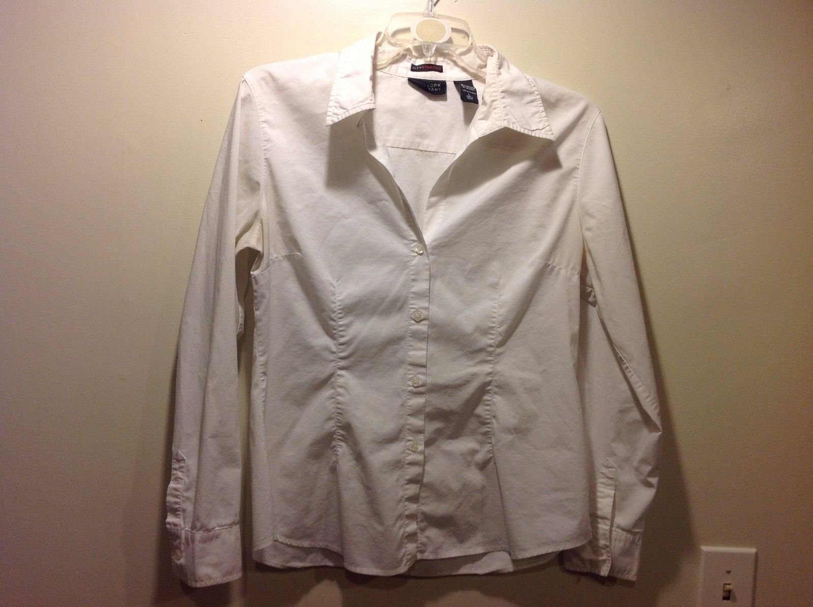 Ladies White Long Sleeve Open Collared Blouse by New York and Co Sz L