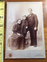 Cabinet Card Cute Young Girl & Proud Parents Vermont Studio 1880's! - $9.00