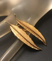 Vintage Winard 12K Gold Filled Leaf Earrings Clip On 1940s Lightweight - $14.85