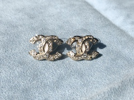 AUTHENTIC CHANEL LIMITED EDITION CRYSTAL CC LOGO GOLD RHINESTONE EARRINGS RARE image 4