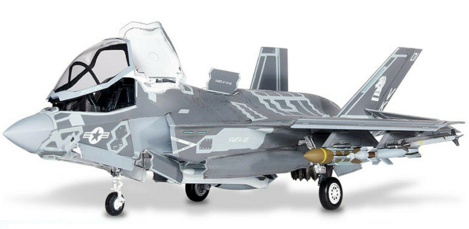 Academy 12569 USMC F-35B VMFA-121 Green Knights Plamodel Plastic Hobby Model