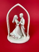 Lenox Wedding Cake Centerpiece Promises Forever Yours Bride & Groom Top ... - $17.67